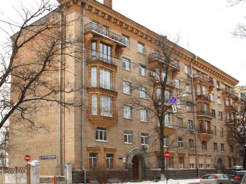 Серия дома Сталинка