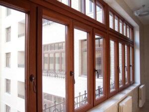 Остекление балконов и лоджий деревянными окнами в Москве и МО