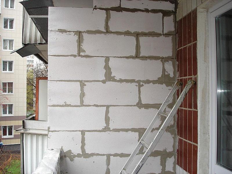 Кладка пеноблоков на балконах и лоджиях в Москве и Московской области