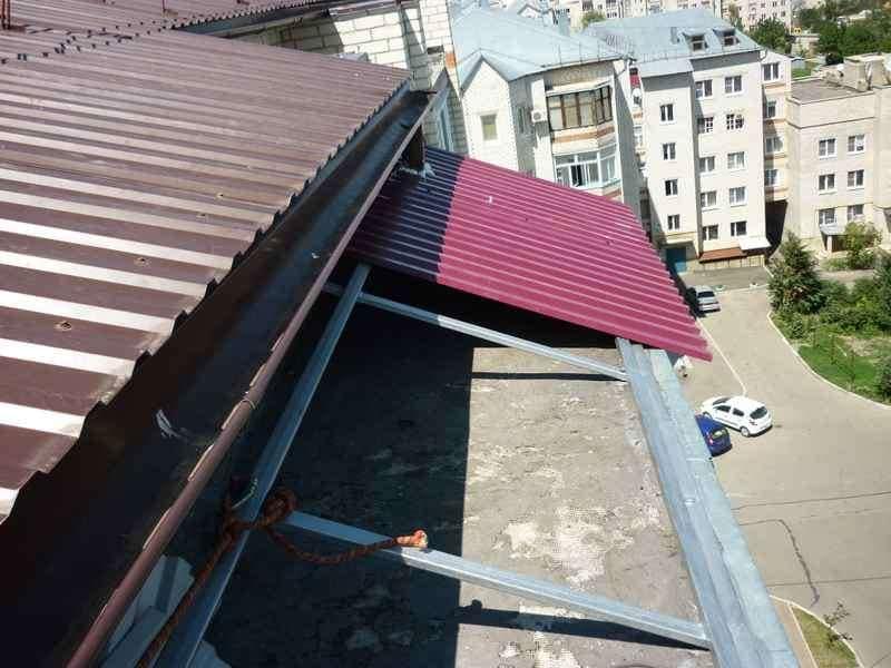 Монтаж крыши и кровля профнастилом на балконах и лоджиях в Москве и Московской области