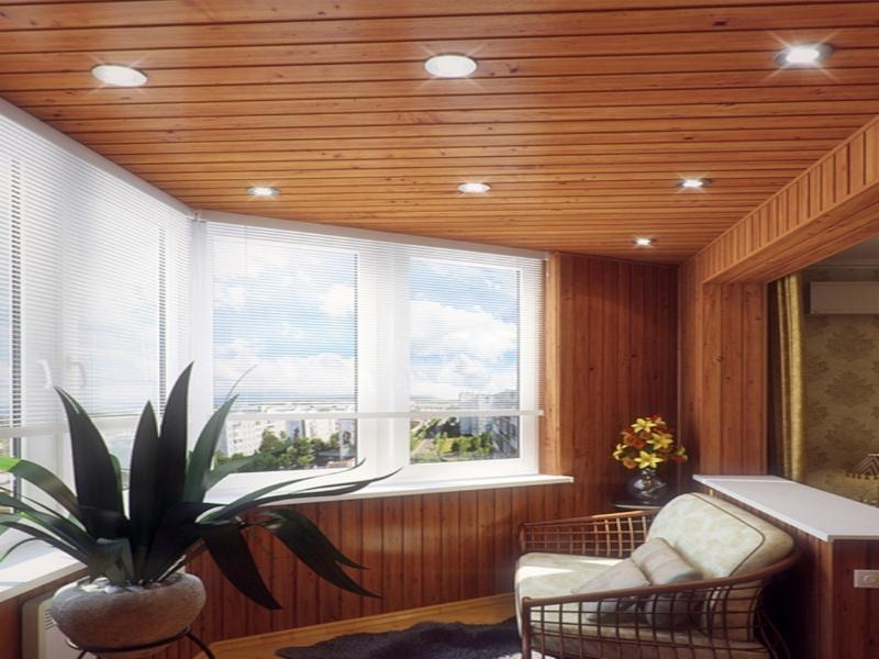 Отделка потолка на лоджии деревянной вгонкой