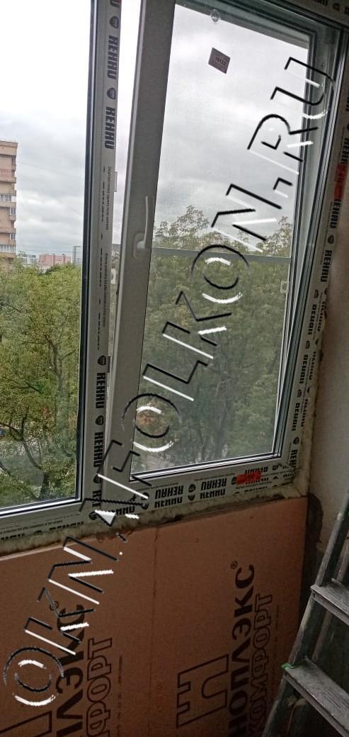 Остекление лоджий окнами ПВХ  с утеплением парапета