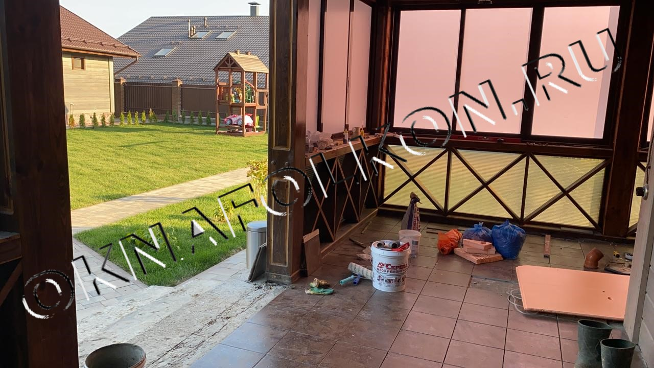 Остекление веранды в загородном доме